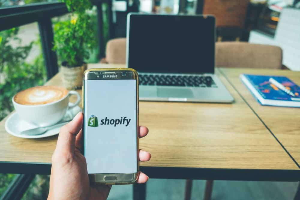 Shopify platform on mobile device