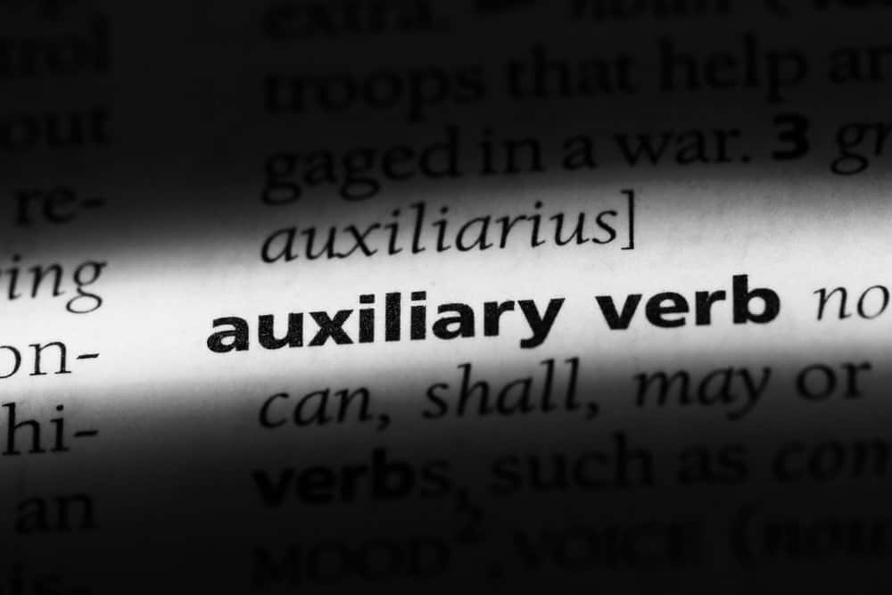 Auxiliary verb word from a dictionary.